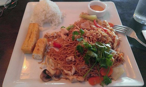 Thai chicken chow mien with jasmine rice and fried toful.